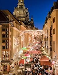 聖母教会横のクリスマスマーケット